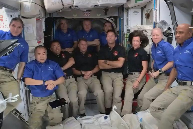 Les 11 astronautes à bord de l'ISS, le 24 avril 2021