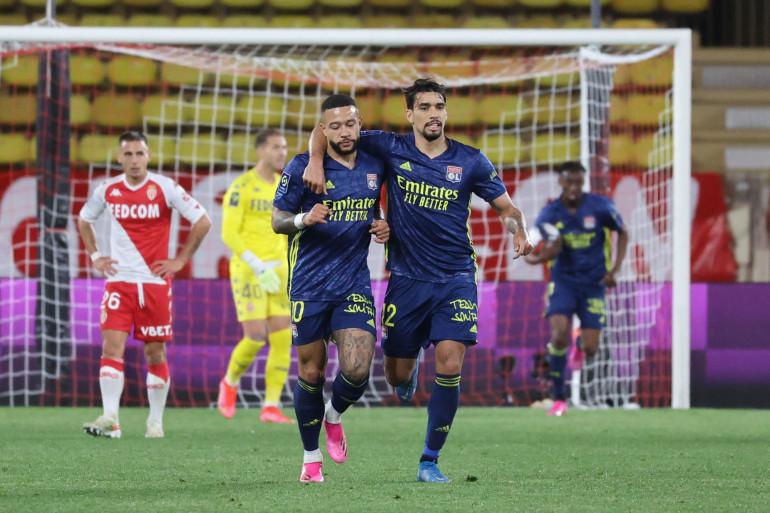 Memphis Depay et Lucas Paqueta avec Lyon à Monaco le 2 mai 2021