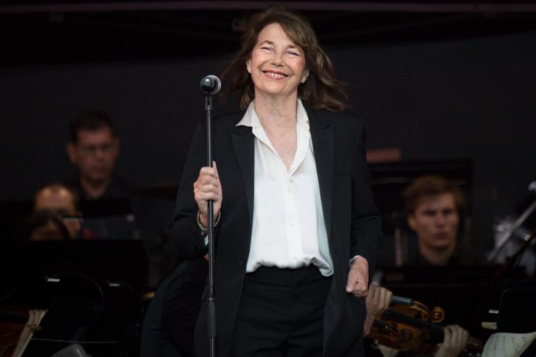 Jane Birkin sur la scène des Vieilles Charrues, le 18 juillet 2019