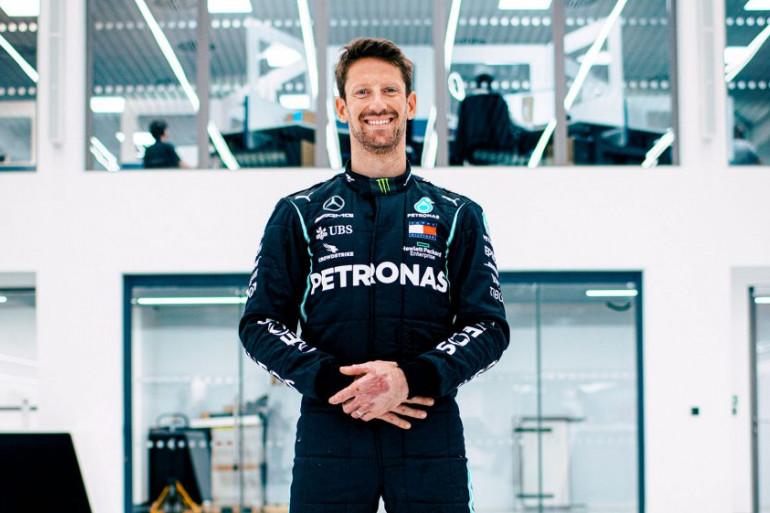 Romain Grosjean dans la combinaison de Mercedes