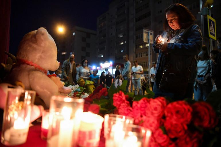 Neuf personnes, dont sept élèves, ont été tuées et une vingtaine blessées mardi dans une fusillade dans une école de Kazan