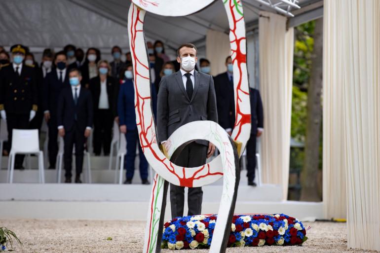 Emmanuel Macron au Jardin du Luxembourg, à Paris, pour commémorer l'abolition de l'esclavage, le 10 mai 2021