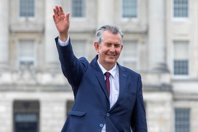 Le parti unioniste nord-irlandais au pouvoir, le DUP, a choisi vendredi Edwin Poots, partisan d'une ligne dure contre les dispositions post-Brexit.