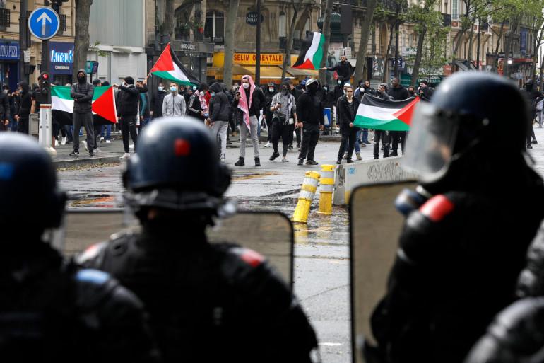 Non autorisée, la manifestation de soutien à la cause palestinienne a été dispersée par les policiers, samedi 15 mai 2021 à Paris