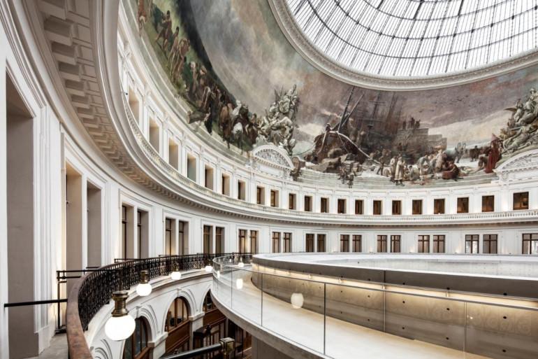 La grande fresque sous la coupole de la Bourse de Commerce à Paris.