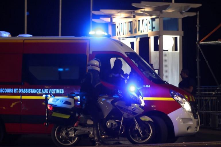 Les secours sur la Promenade des Anglais à Nice, le 14 juillet 2016