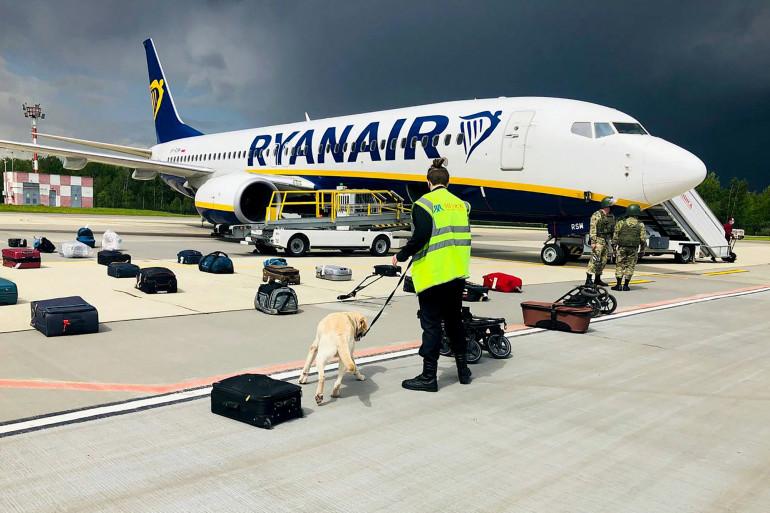 Un chasseur bélarusse a intercepté dimanche un avion de ligne de la compagnie RyanAir ce dimanche 23 mai