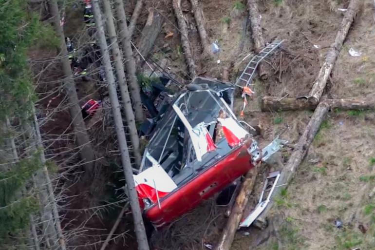Chute d'un téléphérique  à Stressa en Italie dimanche 23 mai 2021, faisant 14 morts