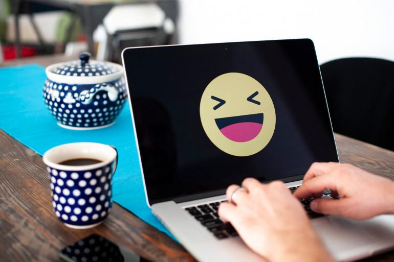 Le rire permet de décontracter les muscles et limiter les hormones du stress (image d'illustration)