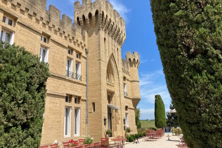 Le château des Fines Roches à Châteauneuf-du-Pape (Vaucluse).