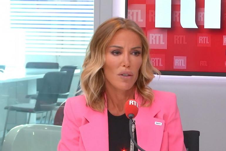 Ophélie Winter dans les studios de RTL en mai 2021