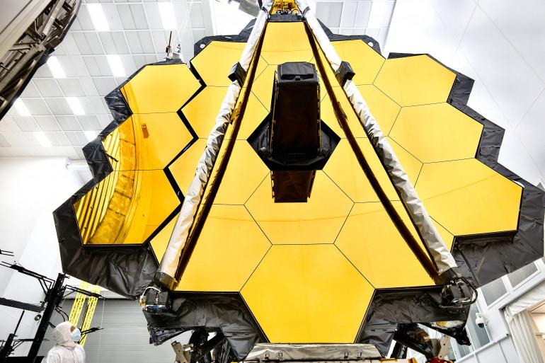 Le télescope spatial James Webb sera lancé mi-novembre pour étudier le cosmos lointain à l'aide de son miroir géant primaire