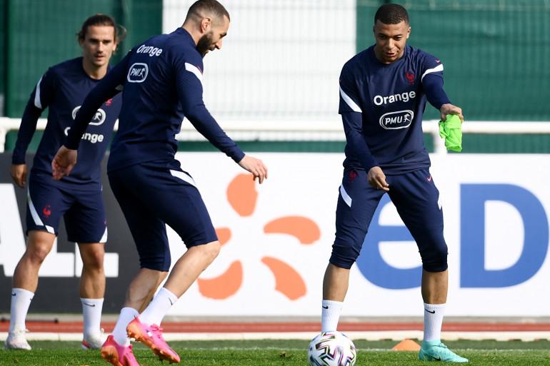 Antoine Griezmann, Karim Benzema et Kylian Mbappé à Clairefontaine le 28 mai 2021