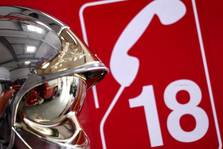 Le numéro 18 pour joindre les pompiers.