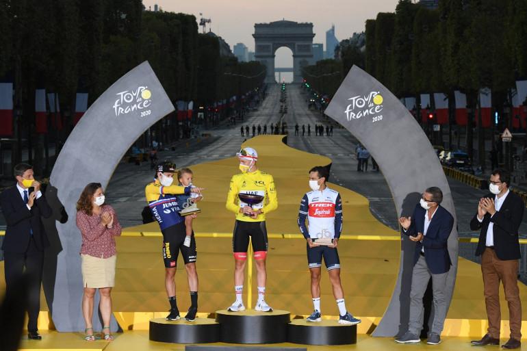 Photo du podium de l'édition 2020 du Tour de France, prise sur les Champs-Elysées à Paris, le 20 septembre 2020. (Illustration)