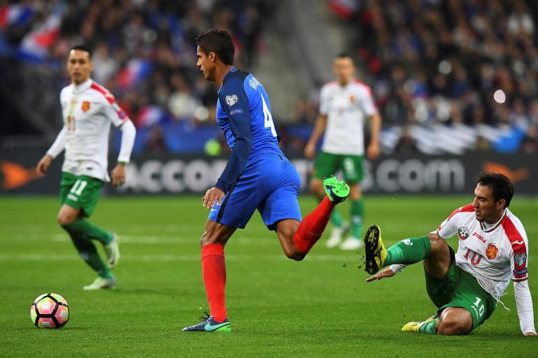 Raphaël Varane avec les Bleus face à la Bulgarie le 7 octobre 2016 à Saint-Denis