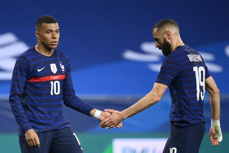 Kylian Mbappé et Karim Benzema au Stade de France le 2 juin 2021