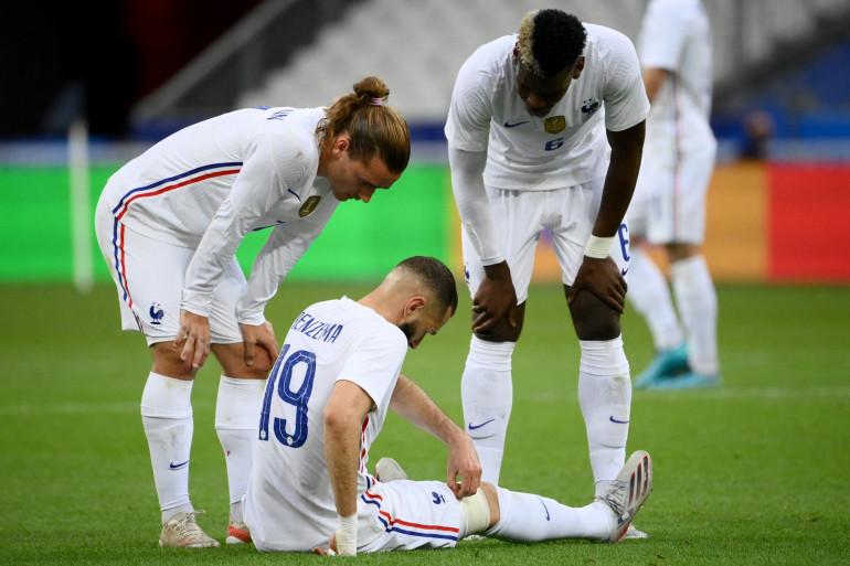 Karim Benzema est sorti en fin de première période face à la Bulgarie, le 8 juin 2021, touché au genou