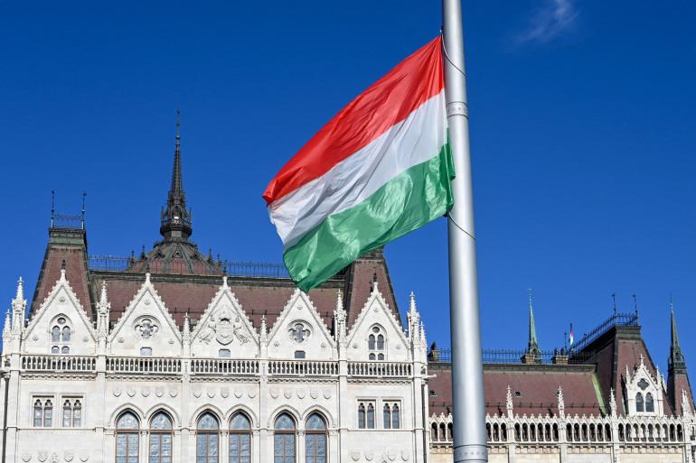 """Homosexualité : la Hongrie d'Orban veut interdire sa """"promotion"""" auprès des jeunes"""