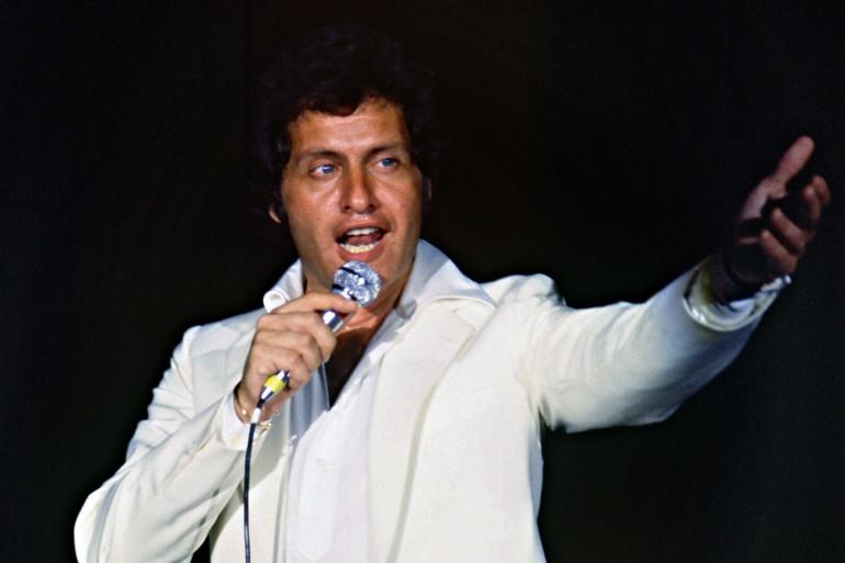 Photo prise en 1979 à l'hôtel Cosmos de Moscou du chanteur franco-américain, Joe Dassin.