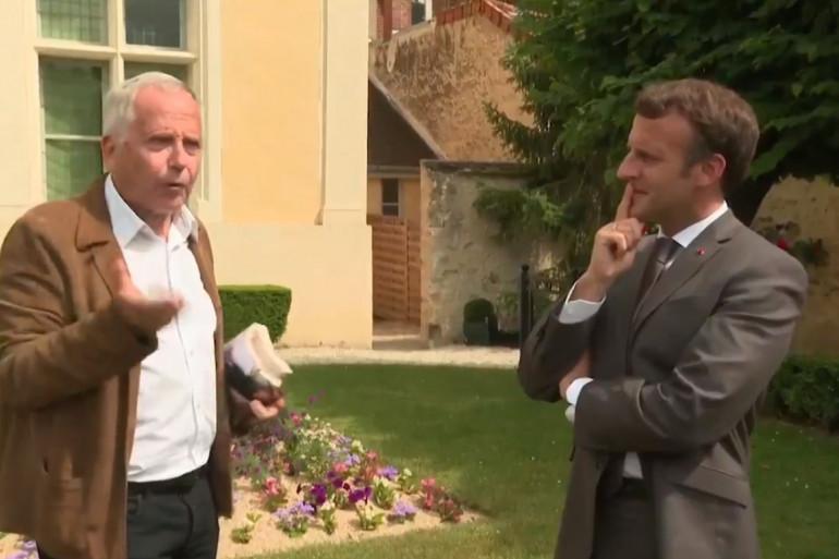 Fabrice Luchini et Emmanuel Macron discutent de La Fontaine à Château-Thierry