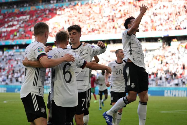 Les Allemands à la fête à Munich le 19 juin 2021