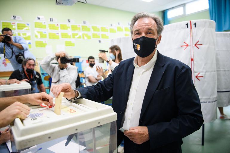 Renaud Muselier vote en région PACA le 20 juin 2021