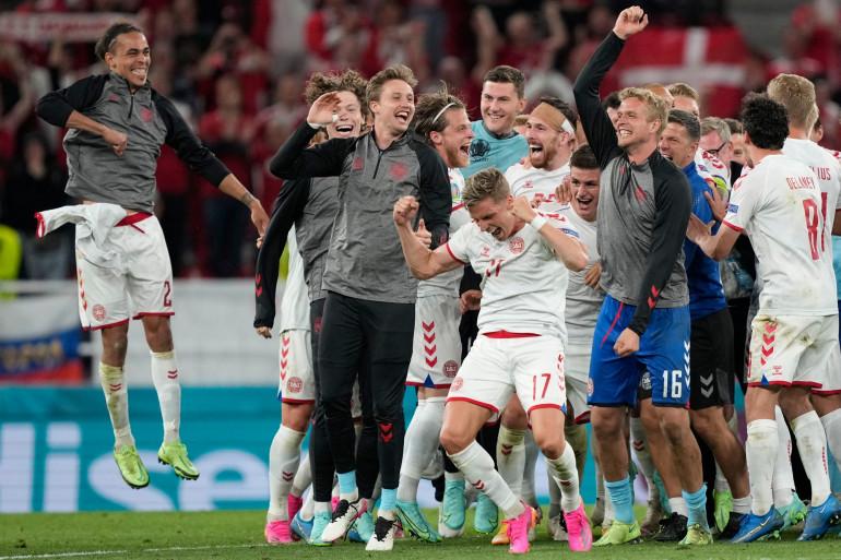 Les joueurs danois aux anges après leur victoire contre la Russie (4-1)