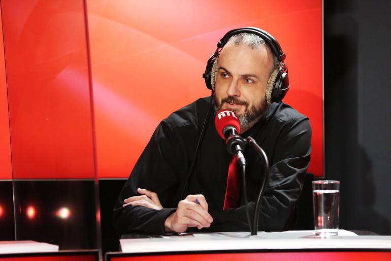"""Julien Hervieux dans """"Les Grosses Têtes"""""""