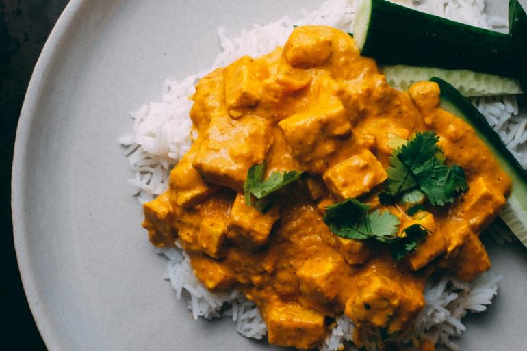 Un poulet au curry pour se réchauffer (illustration)