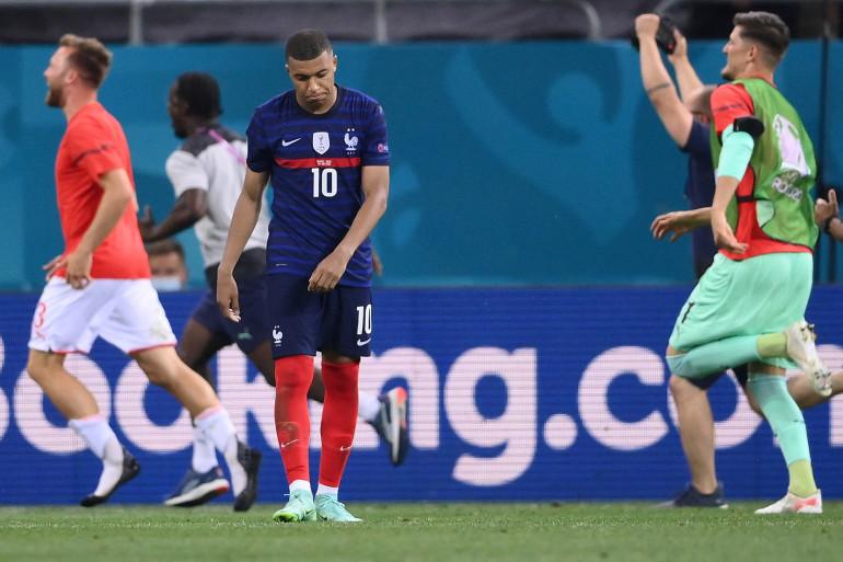Kylian Mbappé, le 28 juin 2021, après l'élimination de la France à l'Euro face à la Suisse
