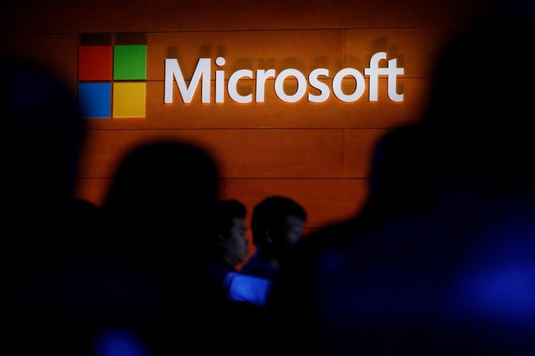 Microsoft Corporation est une multinationale informatique et micro-informatique américaine, fondée en 1975 par Bill Gates