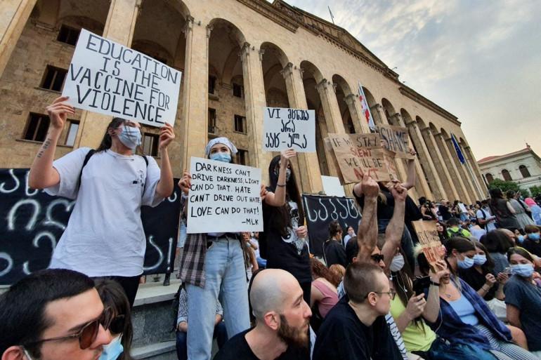 Des milliers de personnes ont manifesté ce dimanche après la mort d'un journaliste