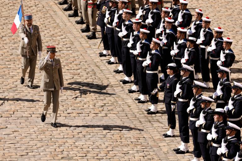 Le général Christophe Abad, Gouverneur militaire de Paris, lors de la prise d'armes le 8 juillet 2021.