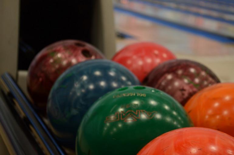 Des boules de bowling (illustration).