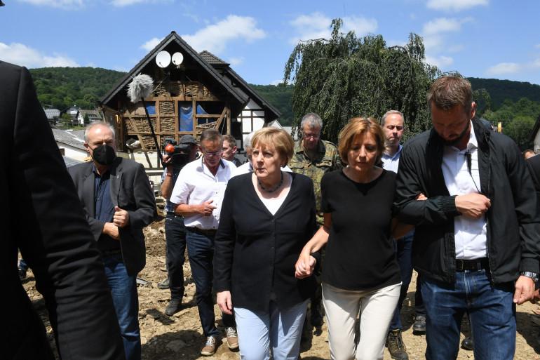 La Chancelière Angela Merkel, le 18 juillet 2021, à Schuld, en Allemagne