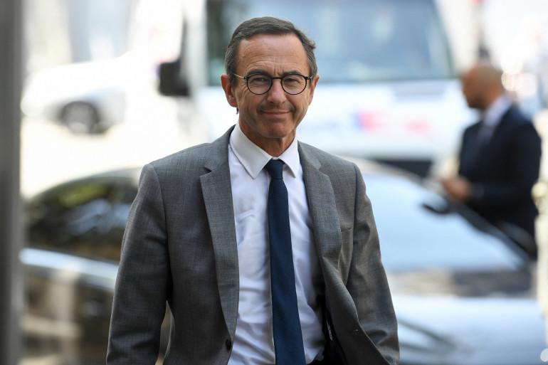 Photo de Bruno Retailleau, le président Les Républicains au Sénat, qui arrive pour une réunion du parti de droite, en vue de l'élection présidentielle de 2022, à Paris, le 20 juillet 2021.