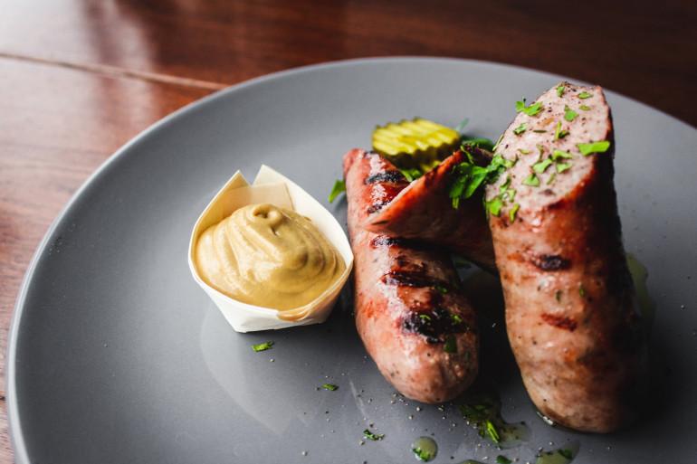 La saucisse de Morteau est une des spécialités de la France-Comté