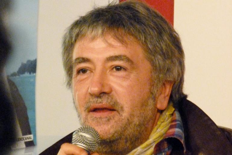 Jean-Yves Lafesse, le 16 novembre 2011 à la FNAC Montparnasse (Paris, 6e arrond.), lors d'une rencontre autour de son nouveau dvd Lafesse-Noz.