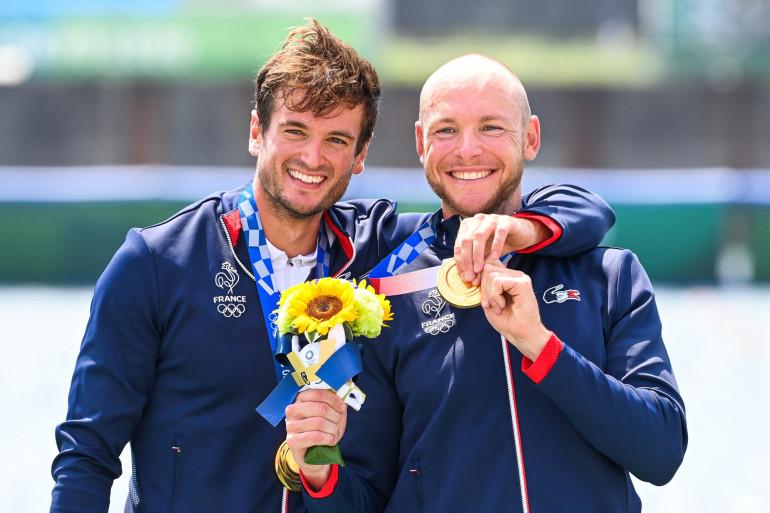 Matthieu Androdias et Hugo Boucheron ont remporté la médaille d'or catégorie deux de couple en aviron aux Jeux Olympiques de Tokyo 2021.