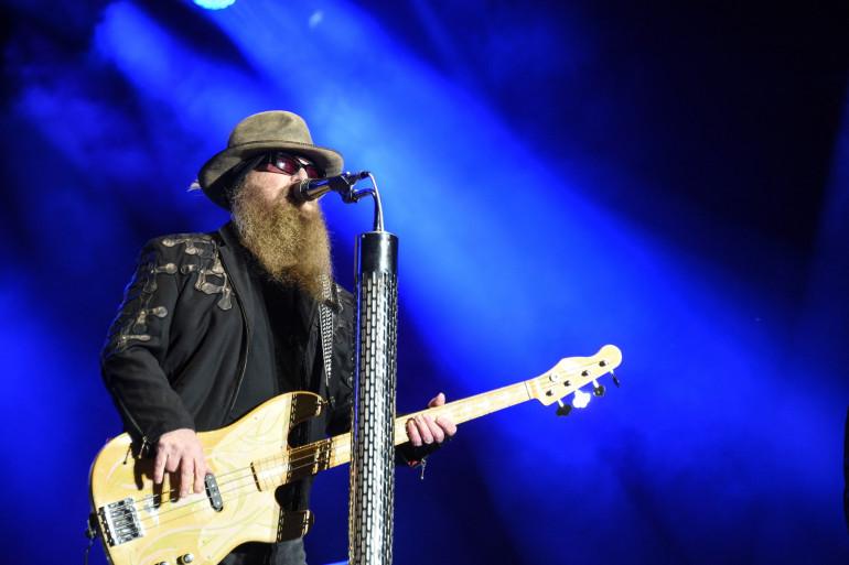 Le bassiste et chanteur du groupe ZZ Top, Dusty Hill.