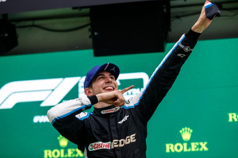 Esteban Ocon sur le podium du GP de Hongrie le 1er août 2021
