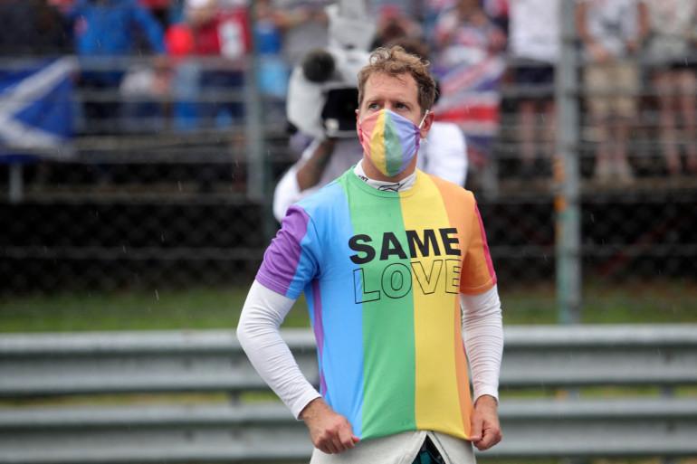 Sebastian Vettel affiche son soutien à la communauté LGBT le 1er août 2021 en Hongrie