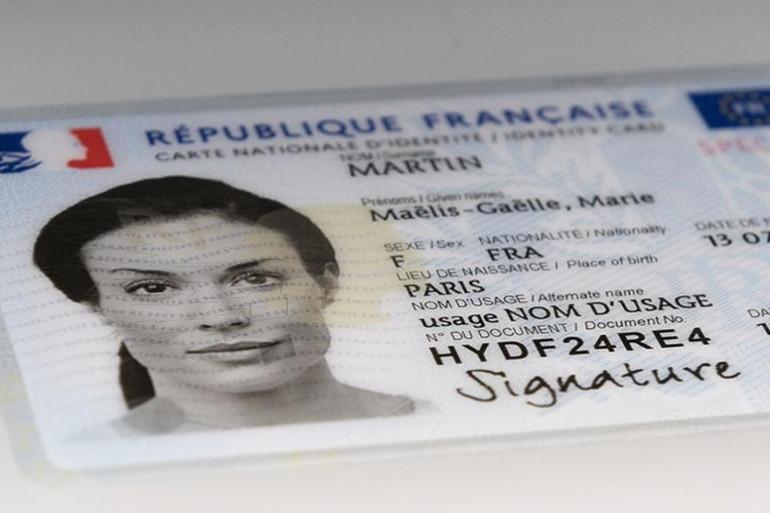 Une carte d'identité numérique française (illustration)
