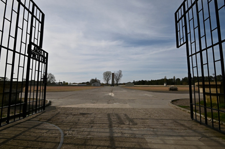 L'entrée du camp de concentration de Sachsenhausen, en Allemagne
