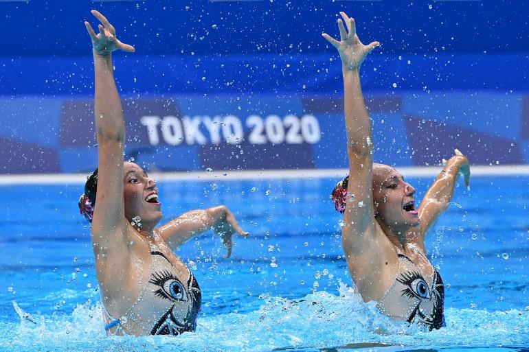 Les Israéliennes Eden Blecher et Shelly Bobritsky en natation synchronisée à Tokyo le 2 août 2021