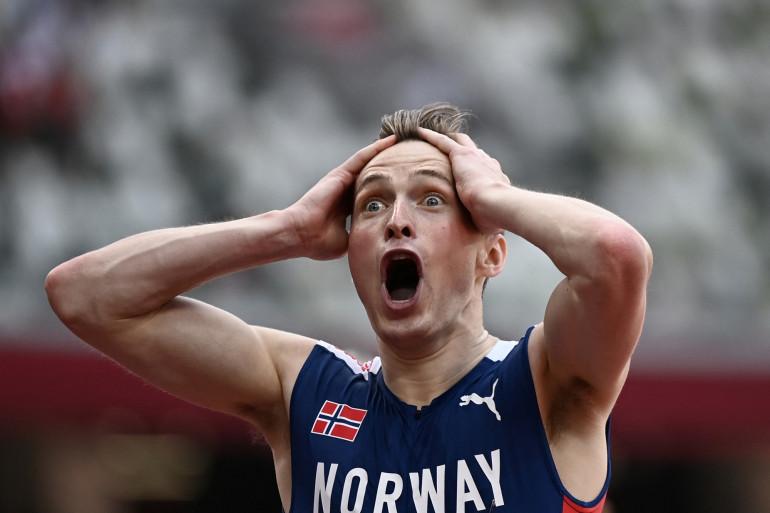 Le Norvégien Karsten Warholm réagit après avoir battu le record du monde de 400m haies le 3 août à Tokyo.