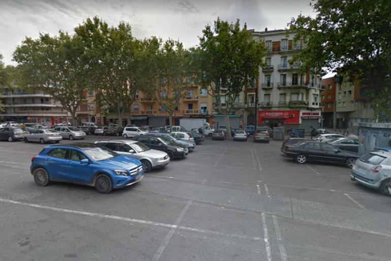 La place Joseph Cassanyes, dans le quartier Saint-Jacques à Perpignan.