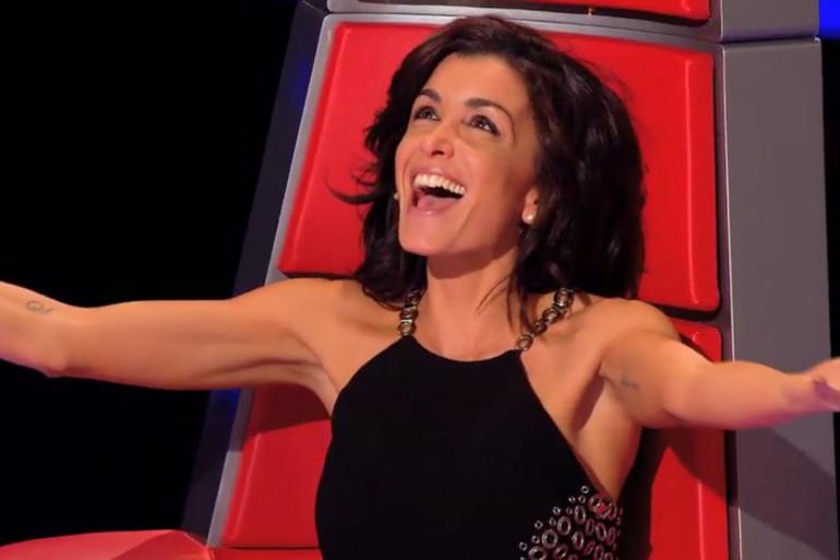 """Jenifer dans son fauteuil de coach de """"The Voice"""""""