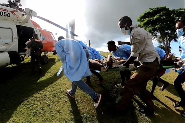 Des blessés évacués après le séisme en Haïti, le 16 août 2021